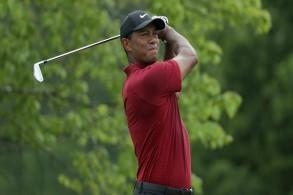 تايغر وودز يعود إلى نادي المصنفين الـ 30 الأوائل في الغولف