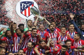 أتلتيكو يُسقط ريال مدريد برباعية ويتوج بلقب السوبر الأوروبي
