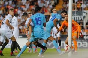 أتلتيكو يفتتح موسمه الثامن مع سيميوني بتعادل مع فالنسيا