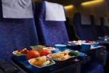 ما الذي يجعل الطعام سيئًا على ارتفاع 30 ألف قدم؟