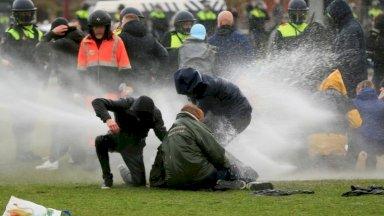 فيروس كورونا: صدامات بين الشرطة ومحتجين خلال مظاهرات ضد إجراءات الإغلاق في هولندا