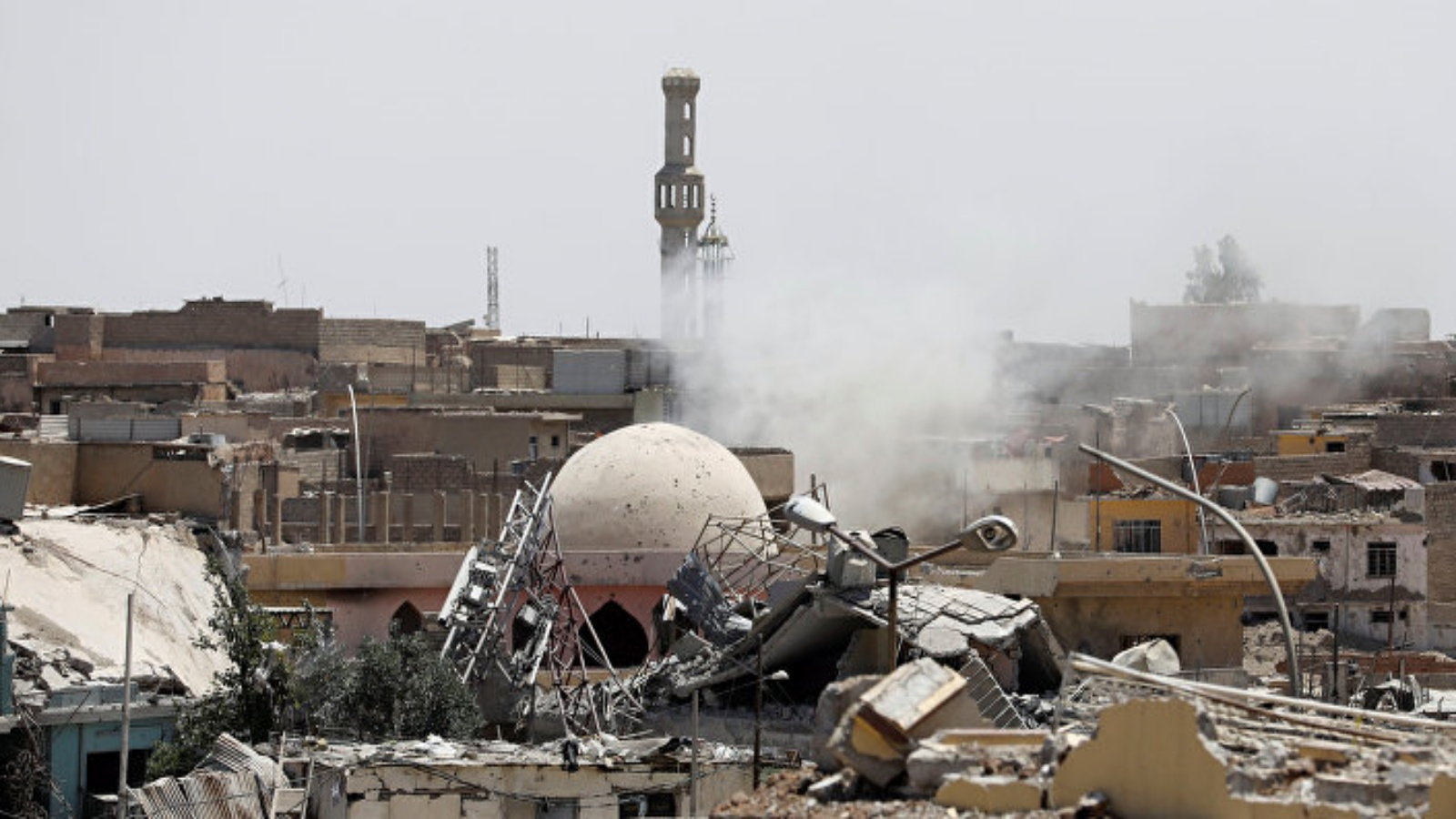 لحظة تفجير داعش لجامع النوري في الموصل