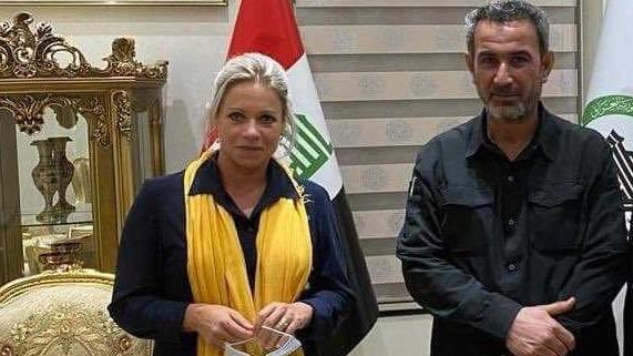 صورة تجمع مثلة الأمين العام للأمم المتحدة في العراق جينين هينيس بلاسخارت والمحمداوي