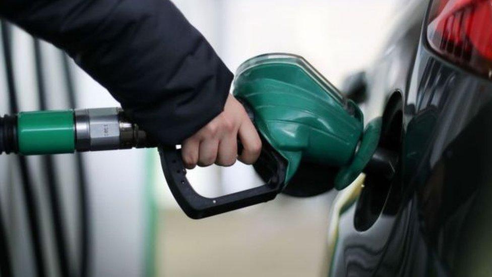 مخاوف من ارتفاع أسعار الوفود بعد ارتفاع اسعار النفط