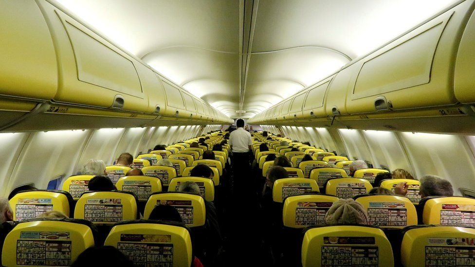 تشغل شركة رايان أير رحلات من وإلى 37 دولة كما نقلت 130 مليون راكب العام الماضي.