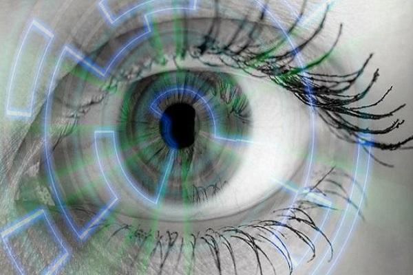 غوغل تطور تطبيقا يساعد في التشخيص المبكر لأمراض العيون