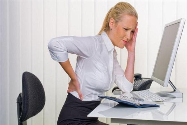 النصيحة التي توجه لمن يمارس العمل المكتبي هي أخذ استراحات بانتظام يبتعدون فيها عن مكاتبهم