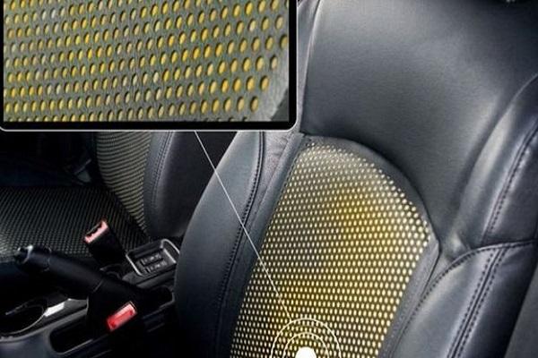 المقعد يتغير لونه عندما يستشعر تعرق السائق