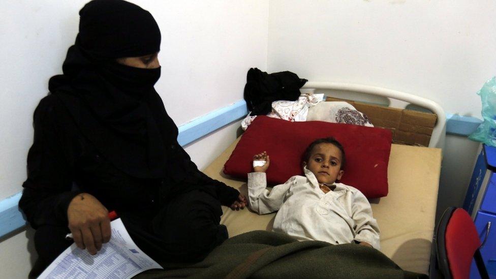 الصحة العالمية أكدت تفشي الكوليرا في 10 محافظات يمنية واشتباه في إصابة 2752 شخصا