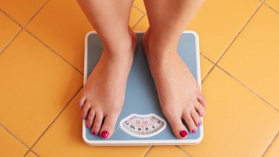 تمثل زيادة الوزن سببا أساسيا من أسباب ا لإصابة بأمراض القلب، والسكري، والسرطان حتى قبل الوصول إلى مرحلة السمنة