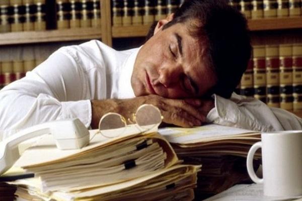 دراسة: العمل لساعات طويلة