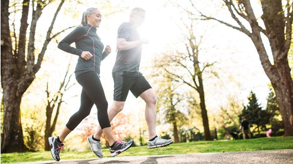 تحد ممارسة التمرينات الرياضية العادية من أمراض القلب وتحسن وظائف المخ في راحل متقدمة من العمر