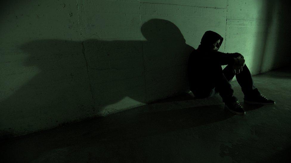 يعد الانتحار أحد الأسباب الرئيسية لوفاة الشباب في شتى أرجاء العالم