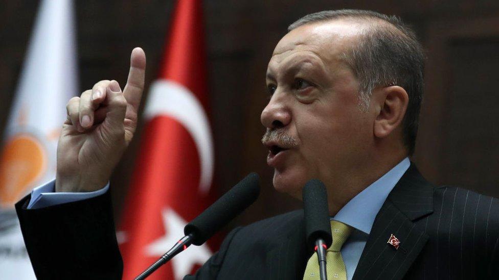 التوتر بين تركيا والولايات المتحدة بدأ اثناء فترة حكم اوباما ولم يتراجع مع تولي ترامب