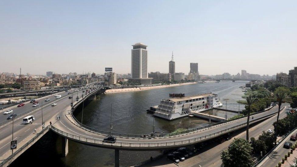 السيسي قال إنه تحدث مع قادة السودان وإثيوبيا بشان عدم المساس بحصة مصر في النيل