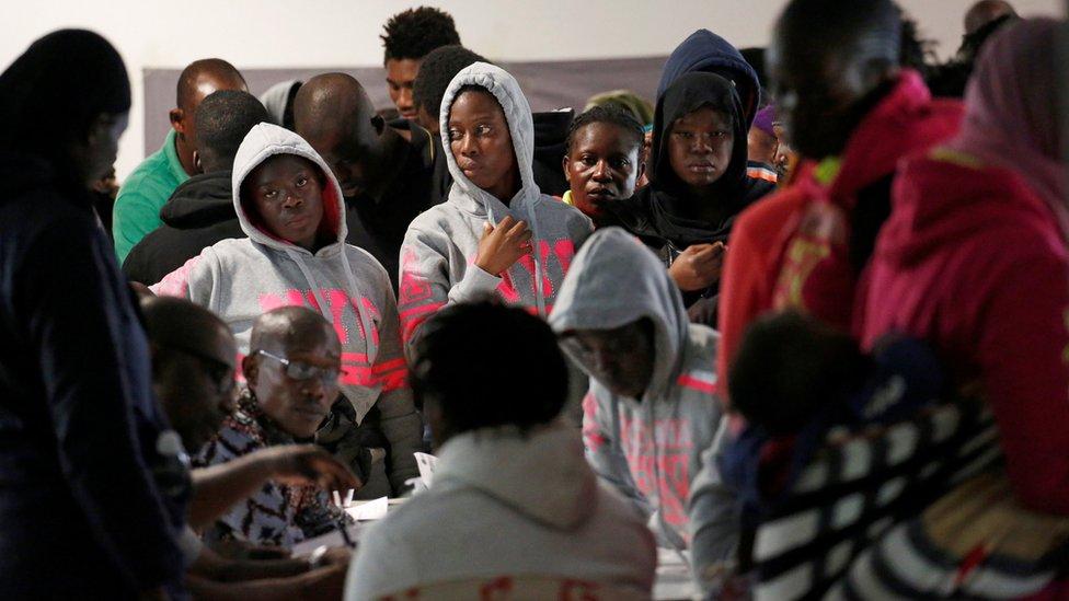 فرنسا هددت بفرض عقوبات على السلطات الليبية إن لم توقف هذه الممارسات