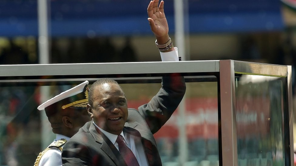 يصف كينياتا نفسه بالرئيس الرقمي