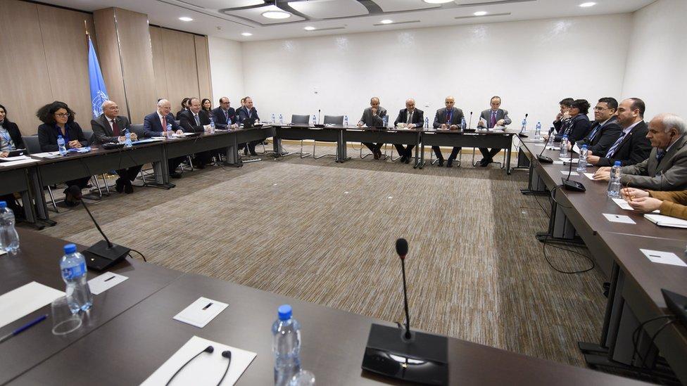 وفد المعارضة يعقد أول لقاء رسمي مع دي ميستورا