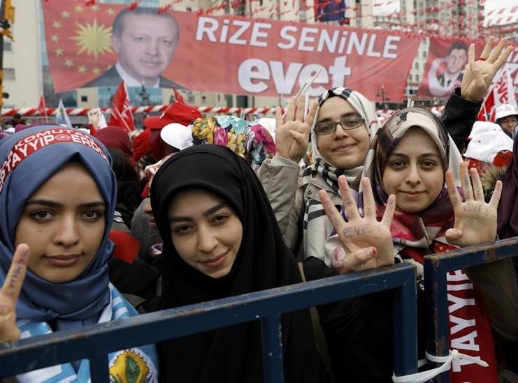 استفتاء تركيا: الانقلاب ونوايا الرئيس أردوغان