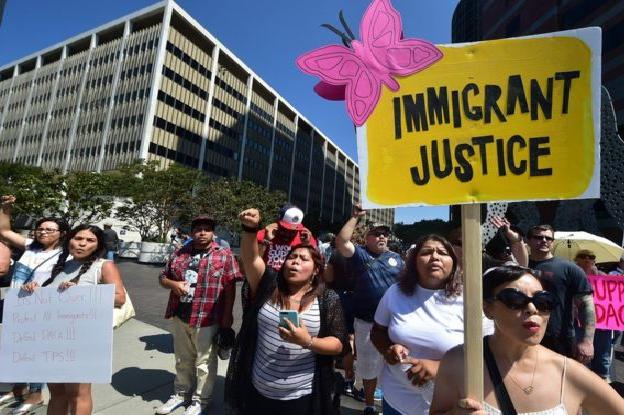 مظاهرة في لوس أنجليس ضد إلغاء برنامج داكا