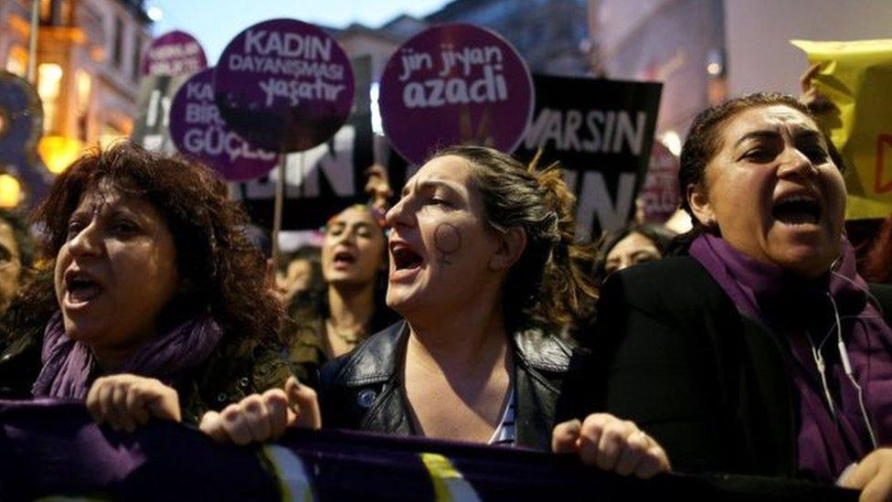 منظمات نسائية تركية دشنت حملة على التواصل الاجتماعي لمواجهة التوجهات الأخيرة لتزويج الفتيات الصغيرات