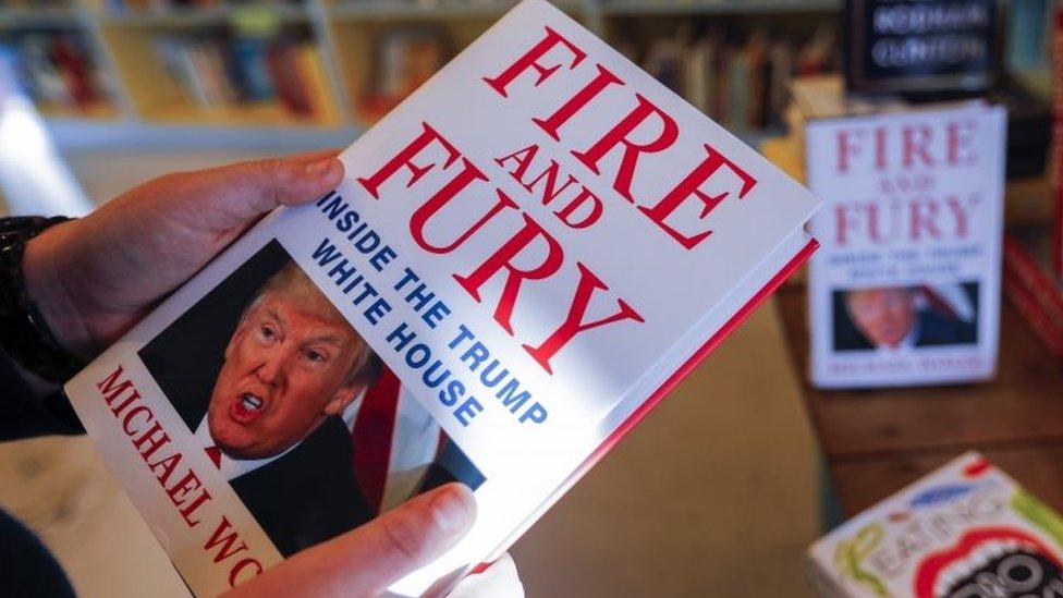 الكتاب يزيد من متاعب ترامب مع الإعلام