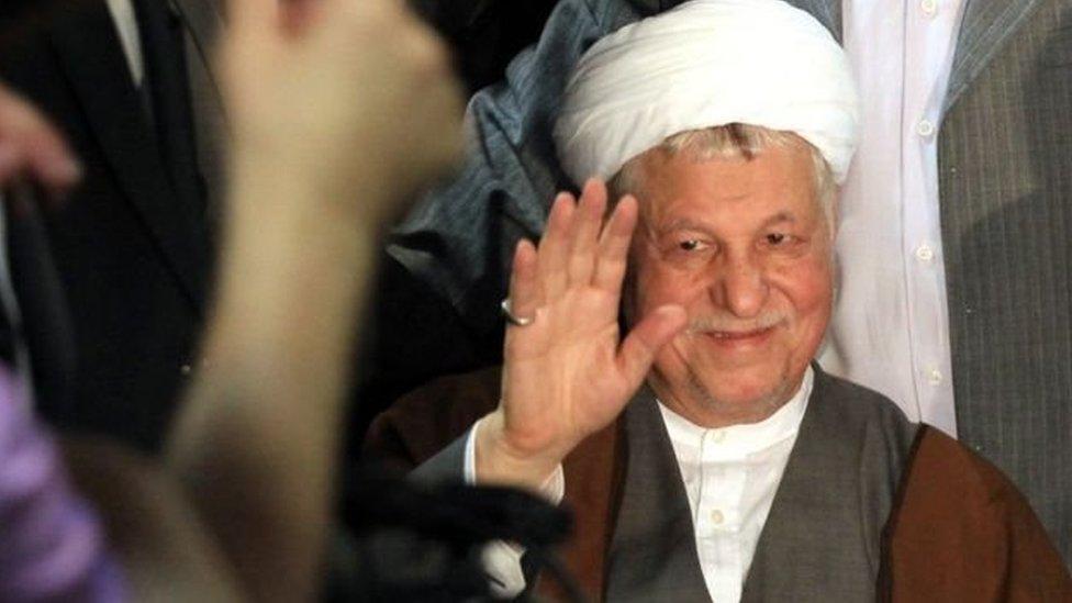 توفي رفسنجاني الذي شغل منصب رئاسة إيران لدورتين متتاليتين حتى عام 1997 بصورة مفاجئة العام الماضي
