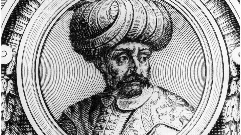 مؤيدو القرار يرون أن السلطان سليم الأول جرد مصر من استقلالها، وقتل آلاف المصريين أثناء الدفاع عن بلادهم
