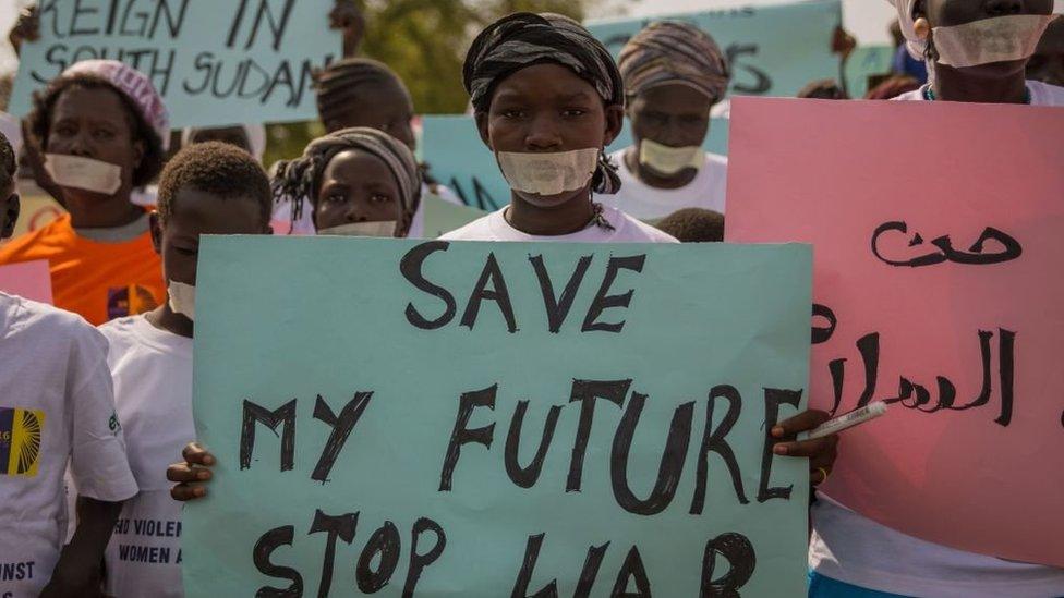 خرجت مظاهرات نسوية في ديسمبر الماضي تندد بالانتهاكات بحق الأطفال والنساء في جنوب السودان