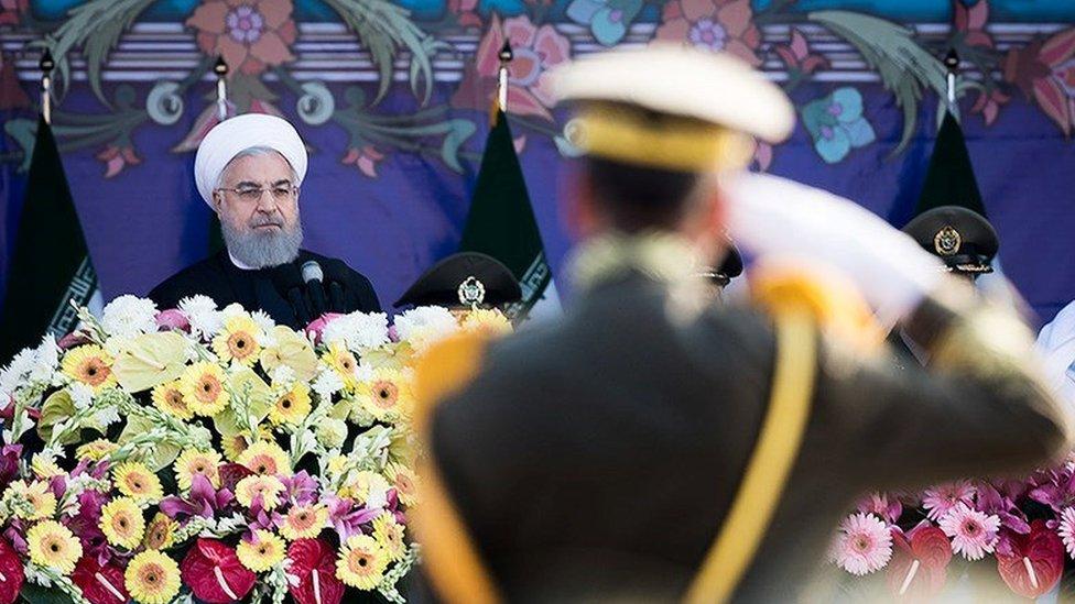 روحاني يهدد ترامب بـ