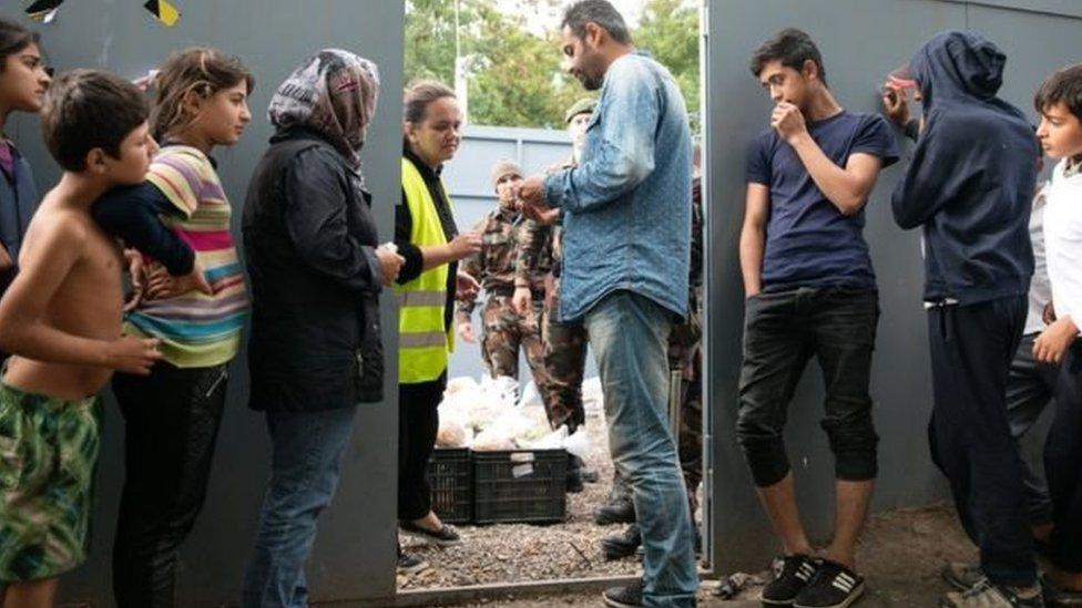 انتن المجر محطة ترانزيت للمهاجرين إلى أوروبا الغربية