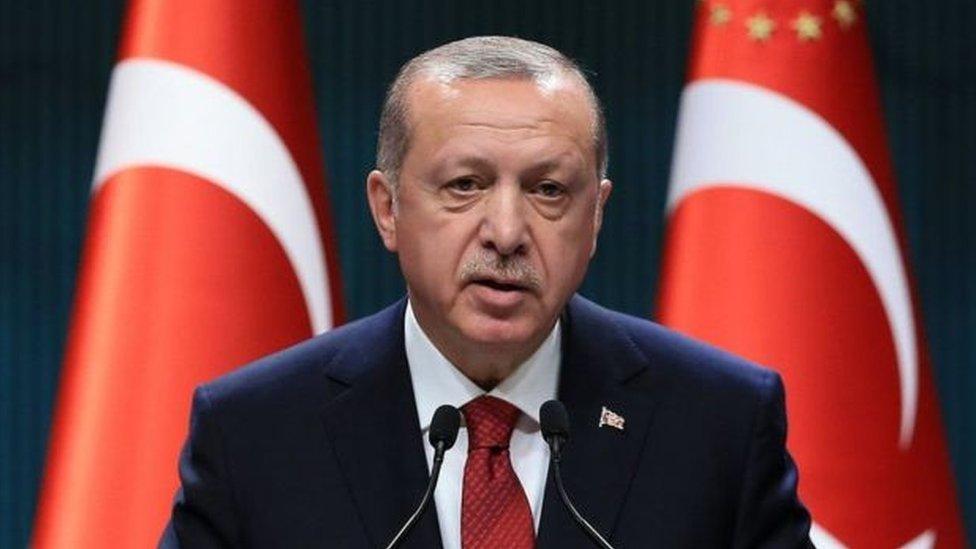إردوغان سيناقش رفع حالة الطوارئ بعد الانتخابات الرئاسية والبرلمانية المبكرة