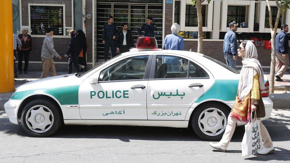 أكثر من 100 جنحة عقوبتها الجلد وفقا للشريعة الإسلامية في إيران