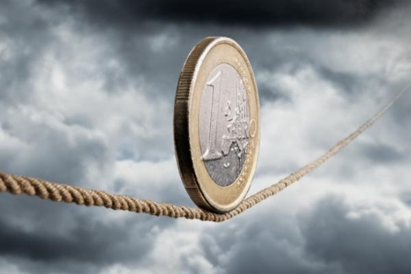 أزمة اليورو كشفت عن خلل عميق في تصميم العملة الموحدة