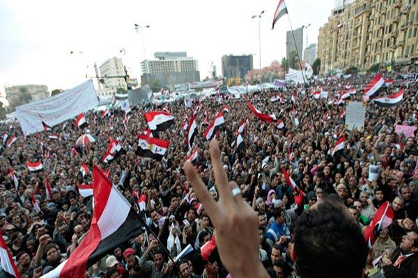 هل ذهبت ثورة يناير أدراج الرياح؟