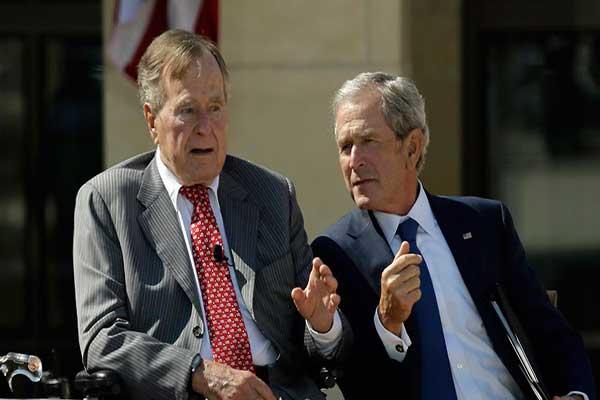 بوش... الأب والاين