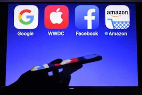 الإعلام التقليدي مهدد بوسائل التواصل البديلة