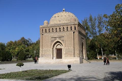 مشهد اسماعيل الساماني (892 -907)، بخارى. منظر عام.