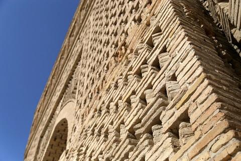 مشهد اسماعيل الساماني (892 -907)، بخارى. تفصيل في جدار خارجي.