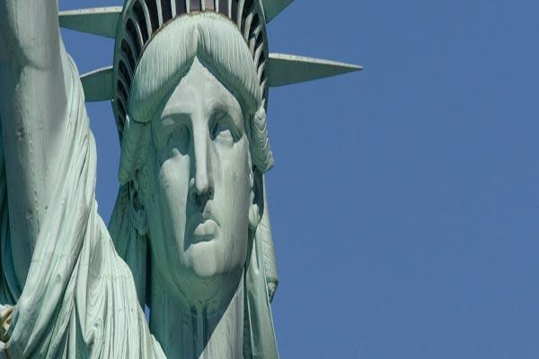 انهيار الحلم الأميركي في سيرة عائلية