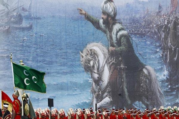 مشهد من احتفال أقيم عام 2015 بمناسبة الذكرى 562 لغزو إسطنبول من قبل الأتراك العثمانيين