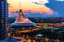 كازخستان بلد غني بالنفط يسعى إلى اقتطاع موقع له في العالم