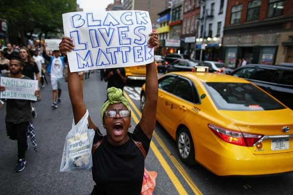 أميركا... حيث لا يزال أسود البشرة متهمًا حتى إثبات العكس
