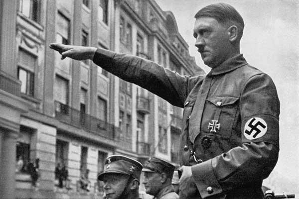 يعتبر مؤرخون أن هتلر واحد من أكثر الشخصيات دموية في التاريخ الحديث