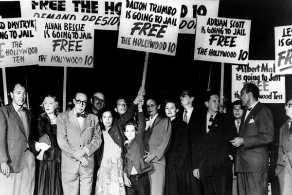 تحقيقات تستهدف هوليوود في الأربعينات لاشتباه بعلاقات مع الحزب الشيوعي