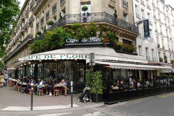 مقهى فلور الذي كان ملاذ مثقفي زمان