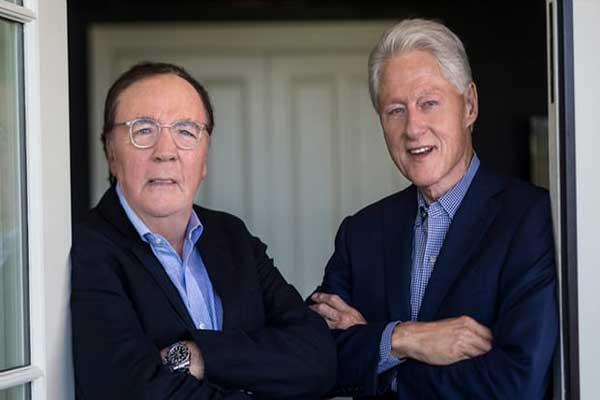 الكاتب جيمس باترسون (يسار) والرئيس السابق بيل كلينتون