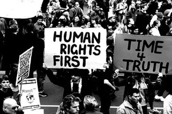 حقوق الإنسان ... هل هي في حال تحسن فعلًا؟