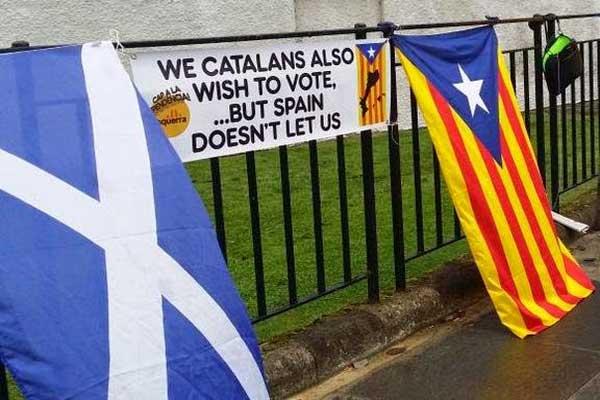 كاتالونيا تريد بدورها استفتاء حول الانفصال لكن إسبانيا تمانع
