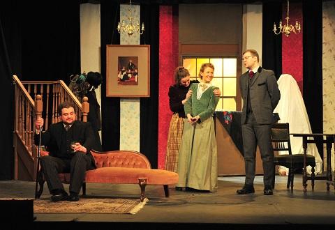 الاسرة والصراع الاجتماعي في مسرح هنريك ابسن